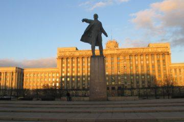 Памятник Ленину на Московской площади в Ленинграде