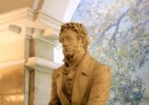 Памятник А. С. Пушкину в подземном зале станции метро «Пушкинская» в Ленинграде